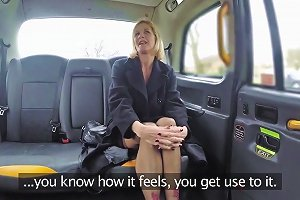 John Molly Milf In Older Lady's Big Pussy Lips Opened Faketaxi Upornia Com