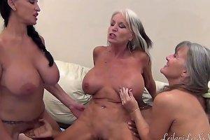Peniscolada Three Milfs And A Black Cock